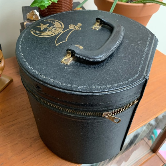 50% off! Vintage hat box